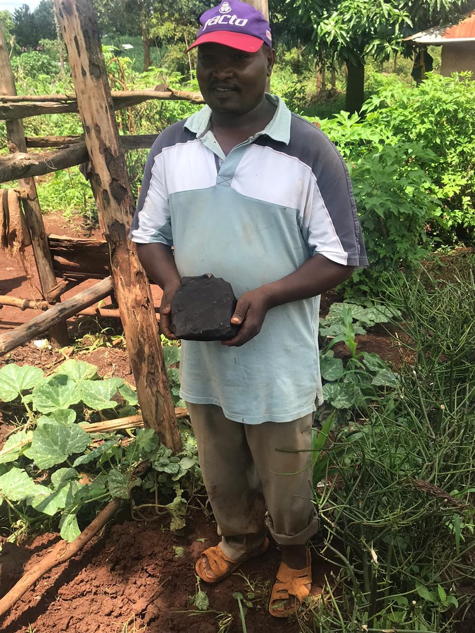 Josphat Gakéré et sa trouvaille de 6.2kg